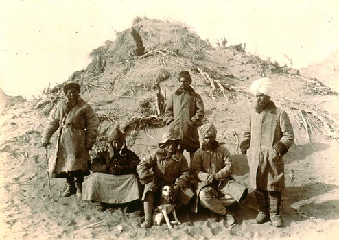 Group at Ulugh-mazar.