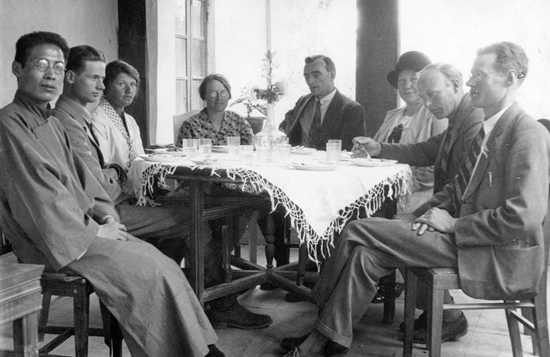 Gunnar Jarring (second from left) at the Swedish Missionary Station in Kashgar, September 1929.